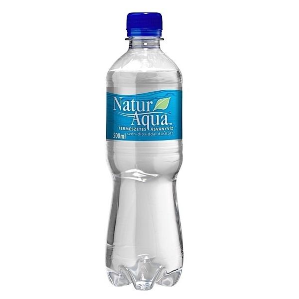 Naturaqua szénsavas ásványvíz 0,5 l